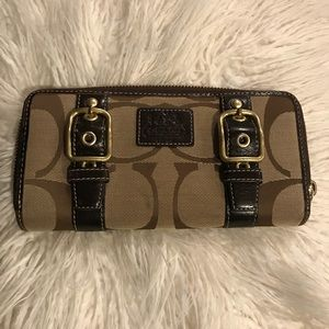 Coach Accordion Zip Wallet Signature Jacquard